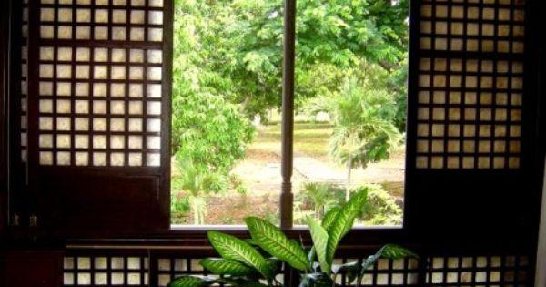 Filipino traditional capiz windows capiz is one of the for Capiz window