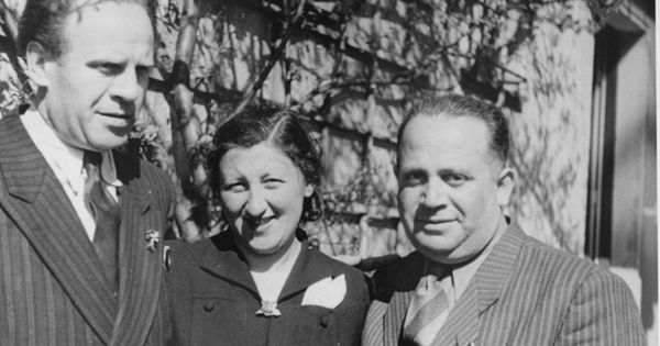 the heroic acts of oskar schindler during world war ii 26000 gentiles have been honored for their efforts saving jews during wwii israeli politicians' attempts to also laud heroic jews has triggered a heated debate among holocaust scholars and experts.