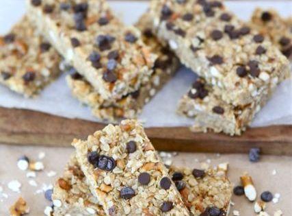 No-Bake Peanut Butter Pretzel Chocolate Chip Granola Bars | Recipe ...