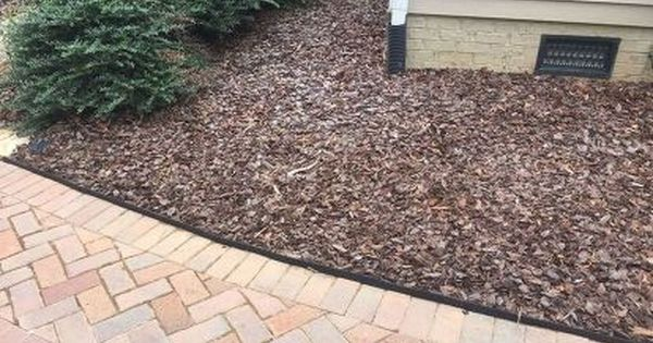Keep That Mulch Off Your Driveway With A Clean Crisp Edge Diy Garden Garden Edging Landscaping Tools