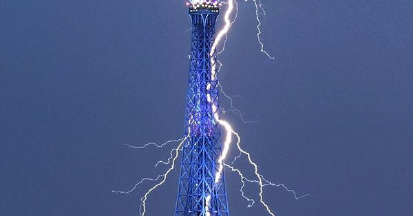 Eifel Tower, Paris, France..:)