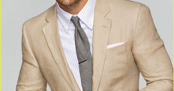 Tan Suit / Chris Pine.... HOLY