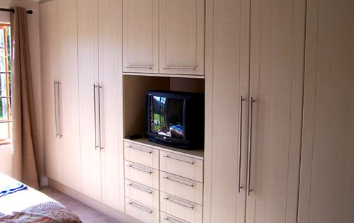 Bedroom Cupboards With Royal Birch Shaker Wrap Doors