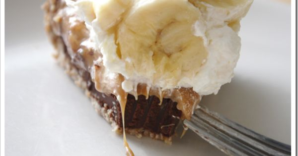 Black Bottom Banoffee Pie With A Pretzel Crust Minus White Chocolate Whipped Cream I D Do Regular Cream Banoffee Pie Banoffee Favorite Pie Recipes