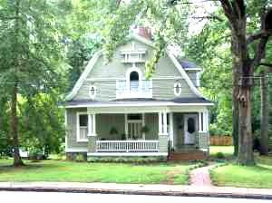 Oldhouses Com 1900 Dutch Colonial Southern Victorian Dream Home In Anderson South Carolina Dutch Colonial Homes Dutch Colonial Cottages Uk