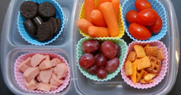 One Creative Housewife: Kindergarten Lunches Week 3- lots of lunch ideas for