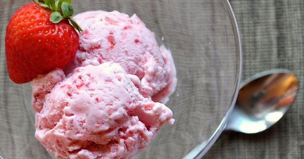 Fresh strawberry ice cream with Limoncello | Strawberries | Pinterest ...