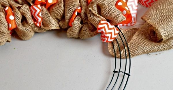 DIY Summer Burlap Wreath: Orange Chevron and Polka Dot | Kenarry ~