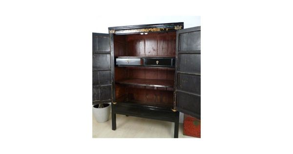 armoire chinoise noire et dor e meubles asiatiques pinterest. Black Bedroom Furniture Sets. Home Design Ideas