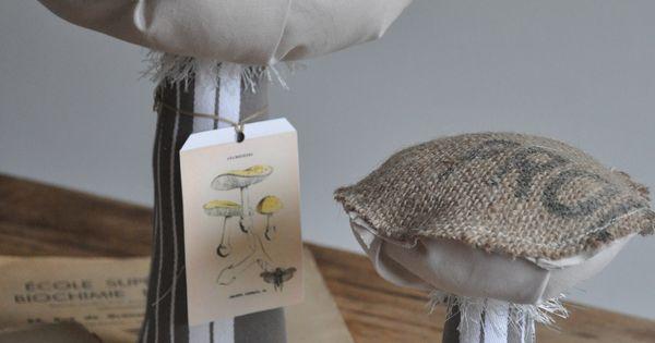 toile de jute imprim e champignons pinterest toile toile de jute et jute. Black Bedroom Furniture Sets. Home Design Ideas