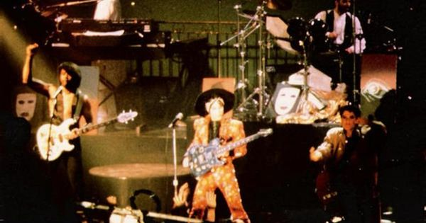 Prince And The Revolution Duet With Apollonia Take Me With U