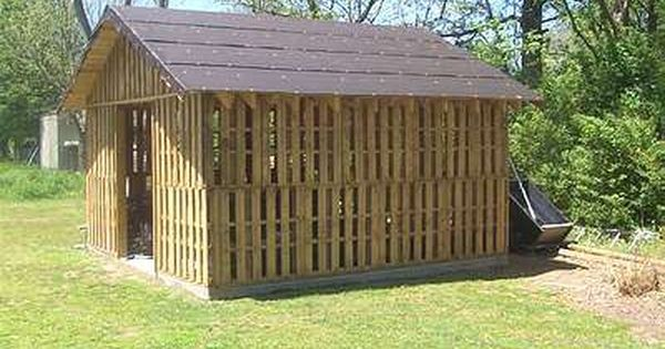 Shed Made From Reclaimed Pallets Pallets Wood pallets  : 15c4bb604b4484065d6a156cc06b018b from www.pinterest.com size 600 x 315 jpeg 46kB