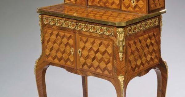 Beau petit bureau bonheur du jour en placage de bois de for Bureau bonheur du jour ancien