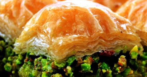 Turkish pistachio baklava sweet pinterest turqu a for Utensilios de cocina turca