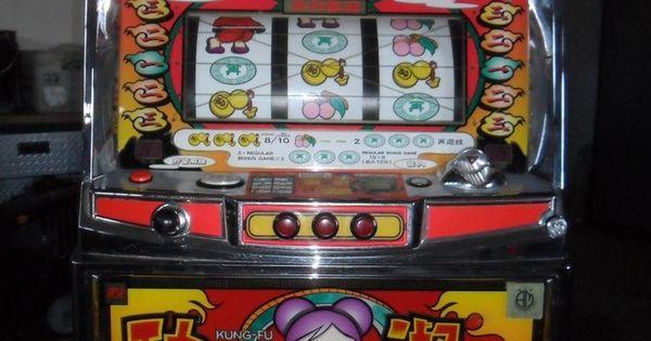 Kung Fu Lady Slot Machine