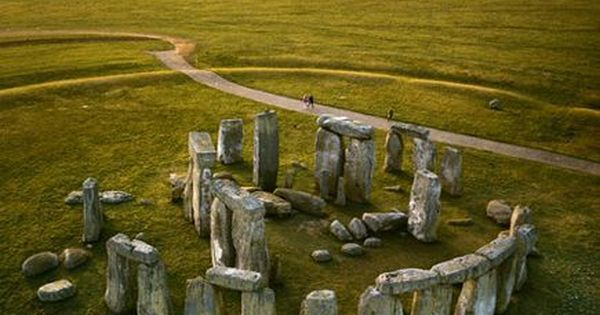 Stonehenge, United Kingdom Located in Wiltshire, England, the Stonehenge is the remains