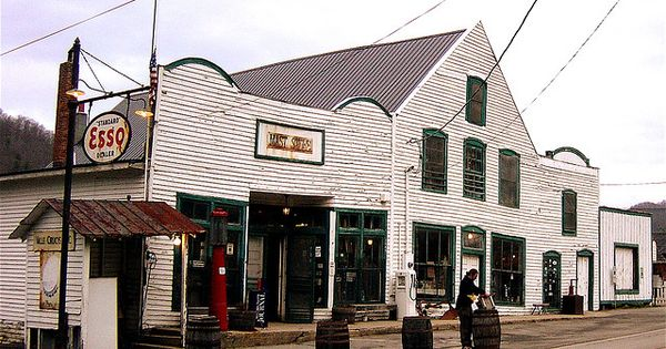Nov 22,  · We loved shopping at the Mast General Store. It has a vast variety of items, including many historic products. There is something here for everyone. It took us over two hours to look through it. We highly recommend it to travelers in this area/5().