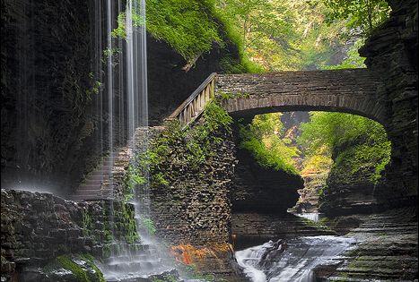 GARDEN BUCKET LIST | Waterfall Bridge, Watkins Glen, New York