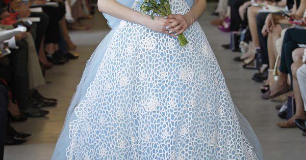 Oscar de la Renta '13 White and blue wedding gown Frozen Inspired