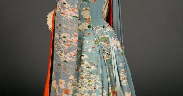 Kimono dressing gown c. 1885 FIDM Museum