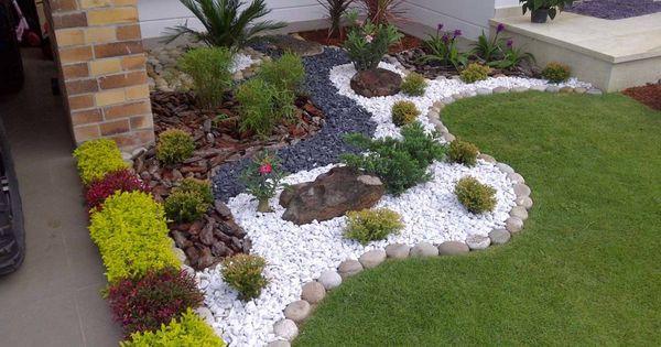 Blumenbeete anlegen Tipps und Ideen für einen schönen Garten - vorgartengestaltung mit rindenmulch und kies