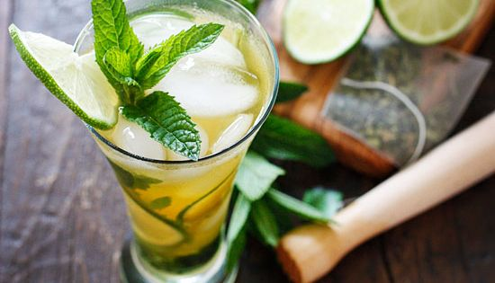 Iced Green Tea Mojito - The perfect summer cocktail!-- green tea =
