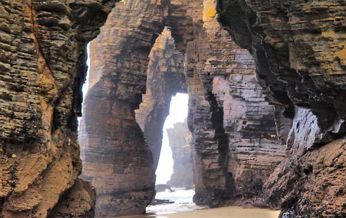 Place: La playa de las catedrales de Ribadeo, Lugo / Galicia. Spain
