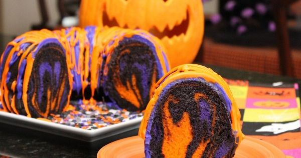 Post image for increíble receta de Halloween Party Rainbow Cake Bundt