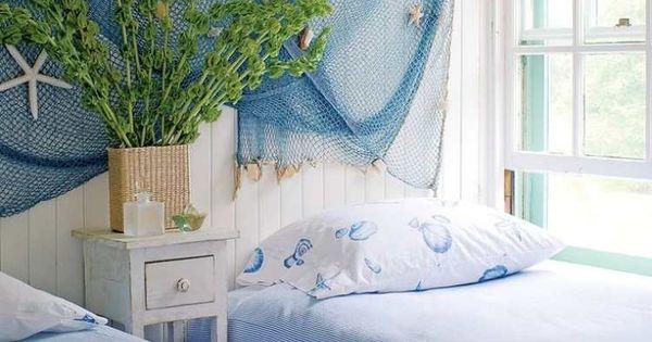 blaues fischernetz gegen die wei gestrichene wand deko pinterest gestrichene w nde. Black Bedroom Furniture Sets. Home Design Ideas