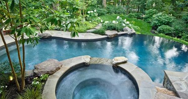 Vanishing edge swimming pool w flagstone patio walls in alexandria va i would die for this Swimming pools in alexandria va