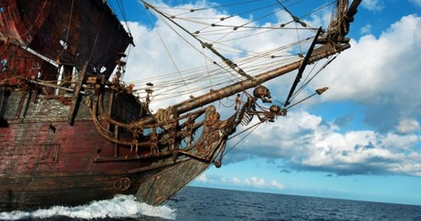 Pirates Of The Caribbean Movies And Cars 25487409 500 313 Jpg 500 313 Barcos Barcos Veleros Carabela Barco