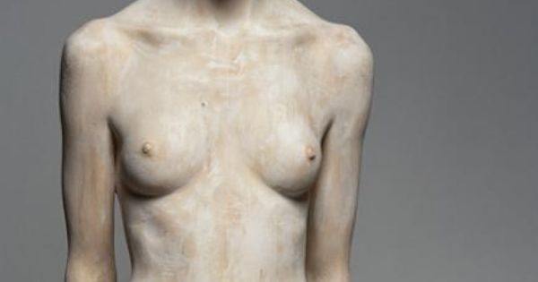 Bruno Walpoth is artist which makes incredible human sculptures from wood. wow