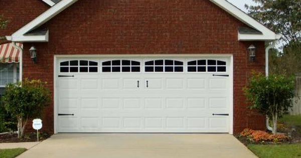 Pin By Sarah Ely On Home Garage Door Design Garage Doors Modern Garage Doors