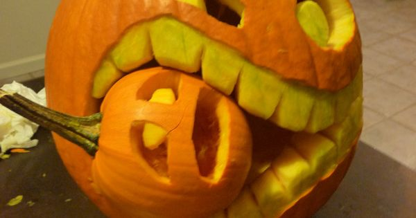 Cannibal Jack-o-Lantern... More Funny Pictures at: http://MoronsAreEverywhere.Com 4 dave