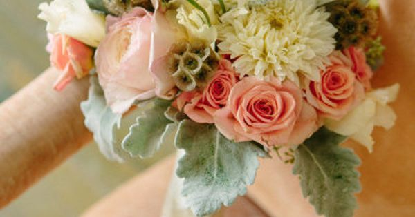 Lovely peach and dusty miller bouquet. Photography by torywilliams.com, Floral Design by