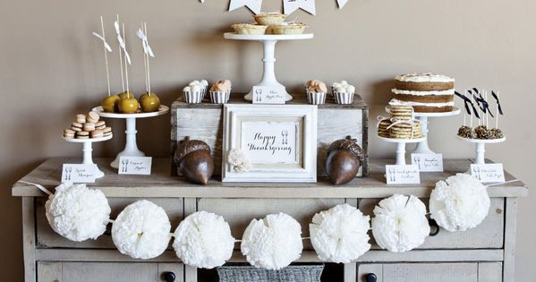 Thanksgiving Decor/ Give Thanks banner/ Dessert Table Idea/