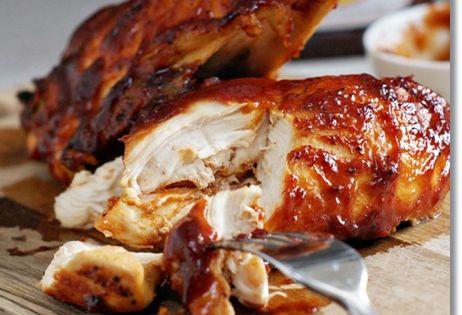 Super Moist Oven Baked BBQ Chicken - bbq bbqchicken foodporn Dan330 http://livedan330.com/2014/11/18/super-moist-oven-baked-bbq-chicken/