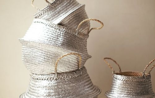 These baskets are the perfect shiny touch in your interior. I found