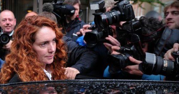 La Presse Publie Des Sms Compromettants De David Cameron A Rebekah Brooks David Cameron Sms David