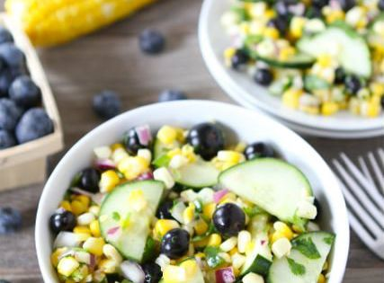 Blueberry corn summer salad