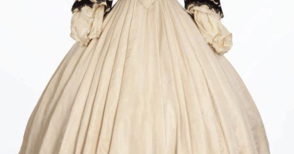Black and white Victorian era dress ensemble