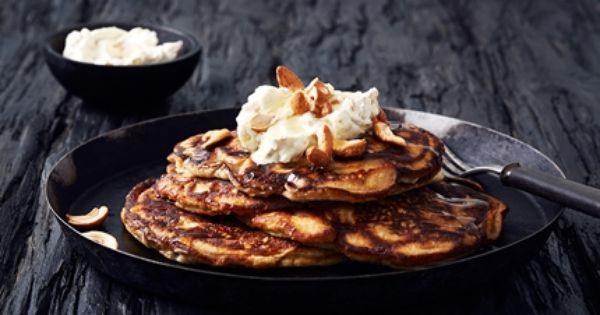 Bananpannkakor Med Smetana Och Cashewnotter Recept Recept Mat
