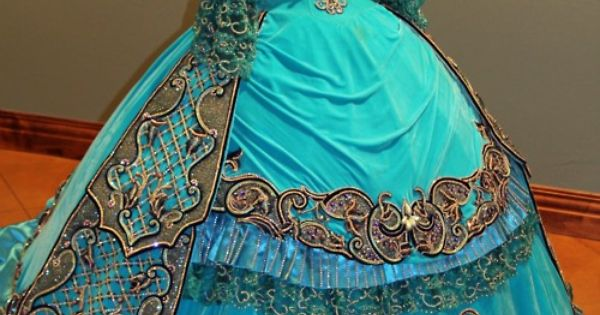 HISTORICAL BLUE & TURQUOISE DRESSES