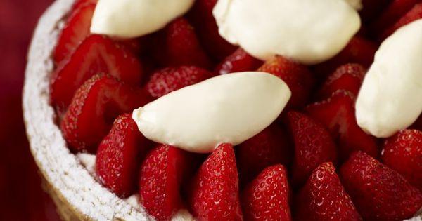 tarte aux fraises ph p te feuillet e caram lis e cr me de mascarpone et fraises fra ches. Black Bedroom Furniture Sets. Home Design Ideas