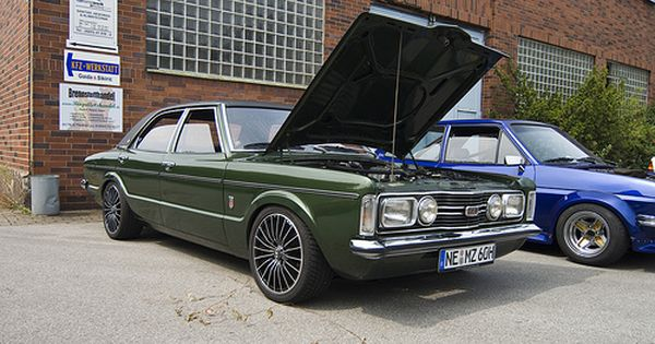 Def3346 090809 Youngtimerclub Duisburg 11 Ford Classic Cars Ford Motor Classic Cars