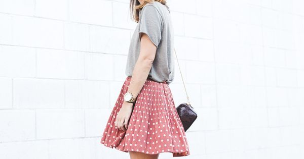 Slouchy tee, patterned skirt, ankle boot - great summer style