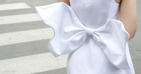 Bow detail