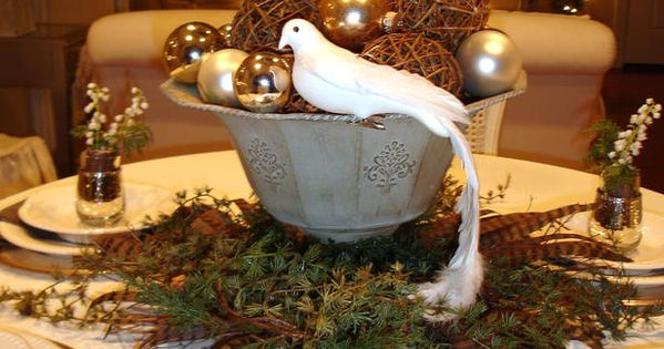 christmas table settings | Gorgeous Holiday Table Settings… | jeanne's blog...a nola
