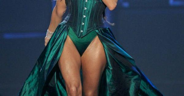 La cantante estadounidense Fergie se presentó el viernes ...