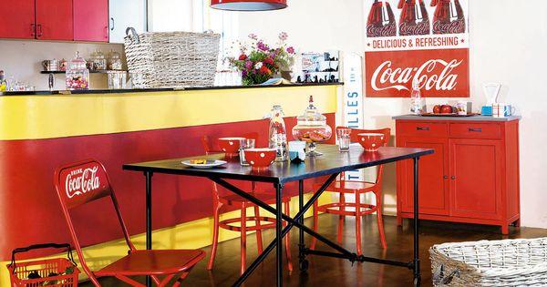 ambiance en couleur chaise coca cola ambiances en couleur pinterest coca cola and cola. Black Bedroom Furniture Sets. Home Design Ideas